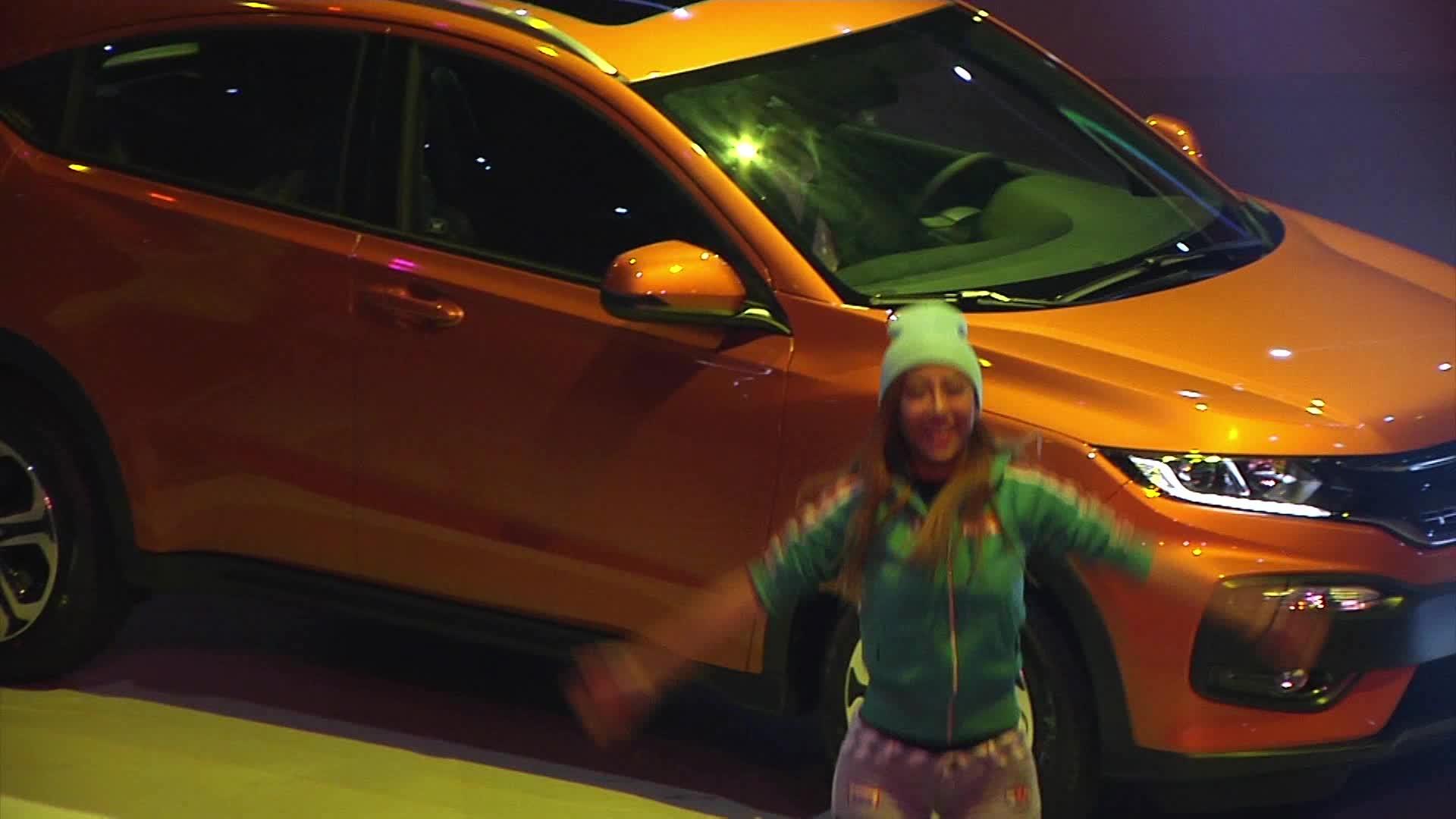 时尚SUV XR-V之舞