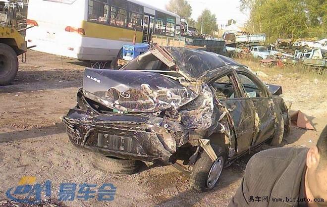 哈飞赛豹车祸高清图片