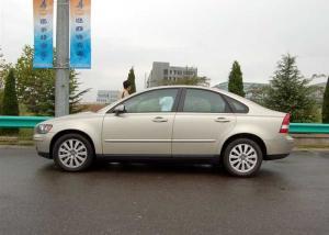 S40(进口)正侧(车头向左)图片