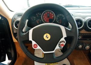 法拉利F430方向盘图片