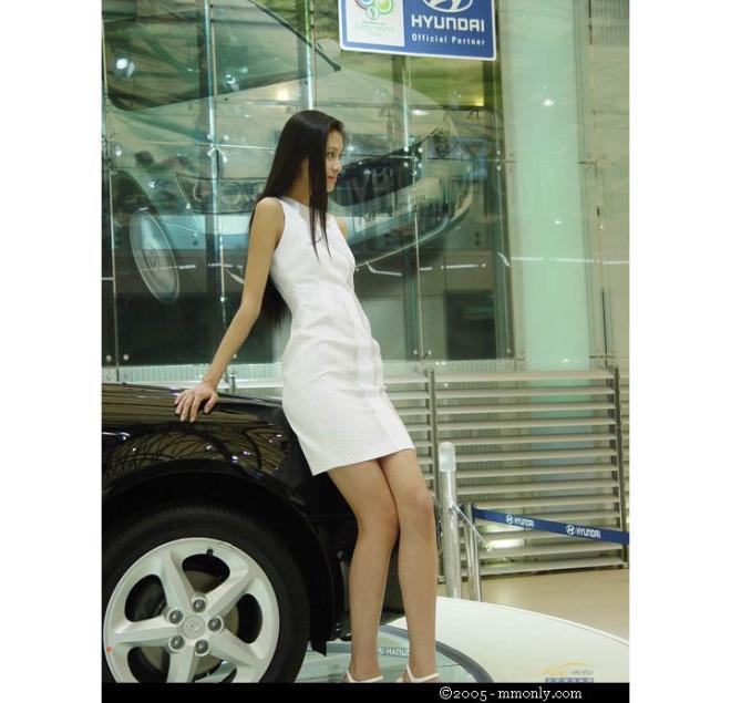 第一车模李雨桦 现代美女车模