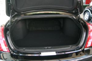 欧菲莱斯行李箱空间图片