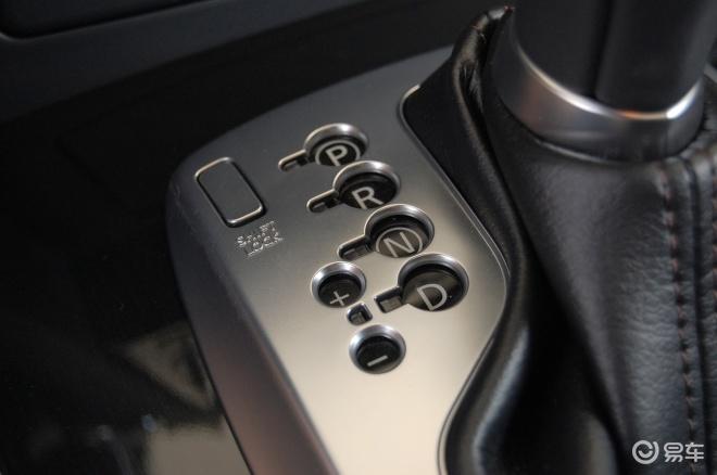 英菲尼迪fx35超越版内饰 高清图片