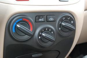 RIO锐欧中控台空调控制键