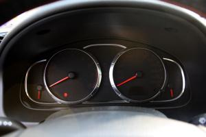 马自达6轿跑车仪表 图片
