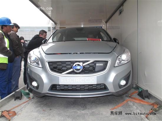2010北京车展探馆沃尔沃电动C30怯场