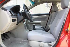 长安CX30两厢前排空间图片