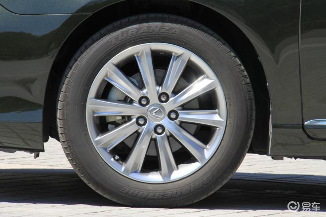 雷克萨斯es 240 豪华版轮圈 高清图片