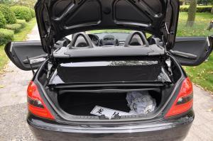 进口奔驰SLK级AMG 行李箱空间