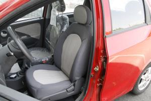 瑞麒M1驾驶员座椅图片