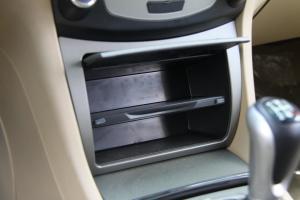 比亚迪F62011款比亚迪F6 空间图片