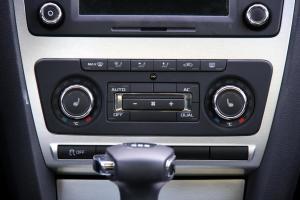 明锐RS 中控台空调控制键