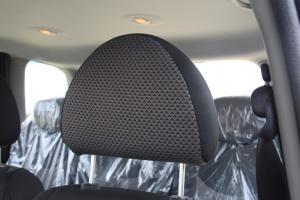 众泰M300驾驶员头枕图片