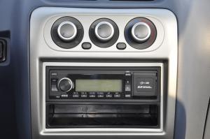 众泰2008 中控台音响控制键
