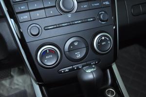 进口马自达CX-7 中控台空调控制键