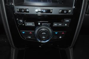 进口捷豹XKR 中控台空调控制键