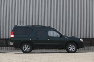 锐骐厢式车正侧(车头向右)图片