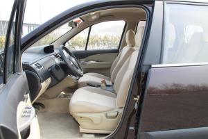 景逸SUV前排空间图片