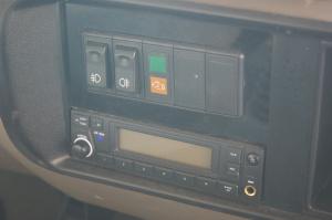 九龙考斯特 中控台音响控制键