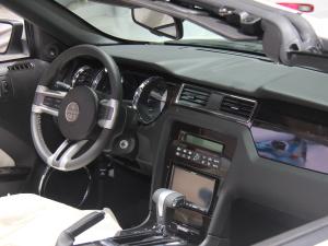 嘉路2012款 3.7L 自动 外观白色
