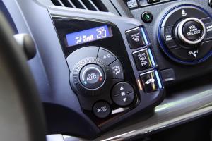 进口本田CR-Z 中控台空调控制键