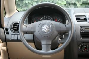 天语SX4尚悦方向盘图片