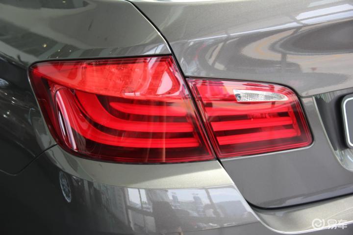 宝马5系 528i xDrive 豪华型尾灯
