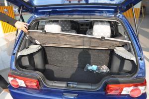 夏利N3行李箱空间图片
