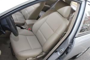 花冠驾驶员座椅图片