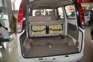佳宝V70行李箱空间图片