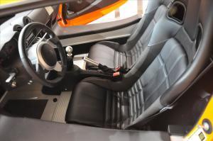 路特斯Exige驾驶员座椅图片