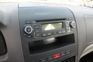众泰Z200 中控台音响控制键