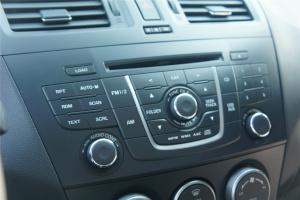 进口马自达5 中控台音响控制键
