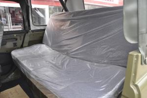 BJ 212后排座椅图片