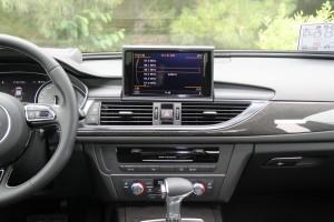 奥迪S6中控台正面图片