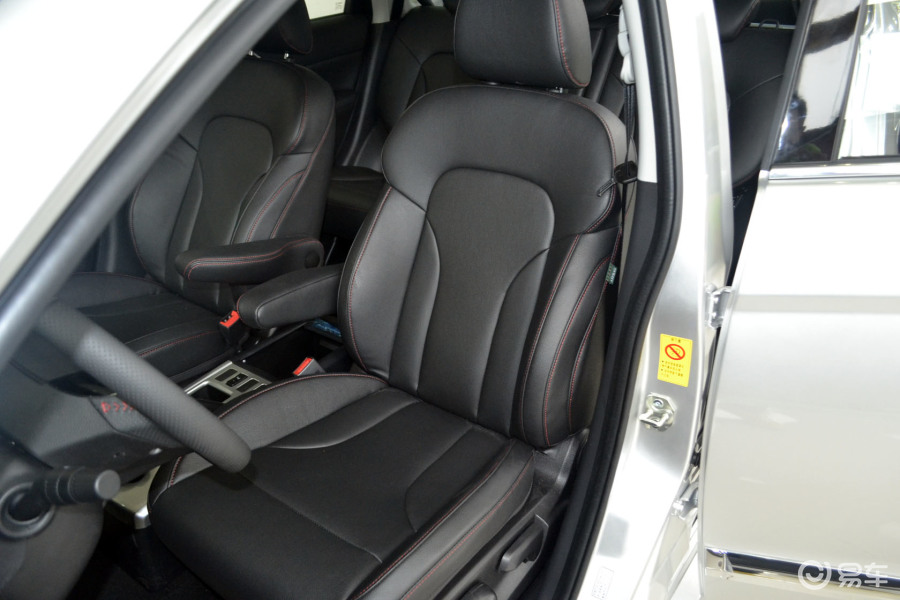 越级型驾驶员座椅汽车