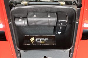 法拉利ENZO行李箱空间图片