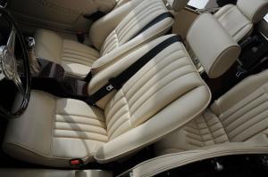 摩根Roadster 驾驶员座椅