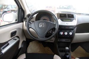众泰Z100完整内饰(驾驶员位置)图片