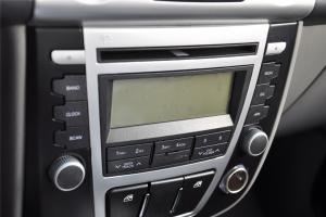 众泰T200 中控台音响控制键