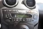 比亚迪F0                中控台音响控制键