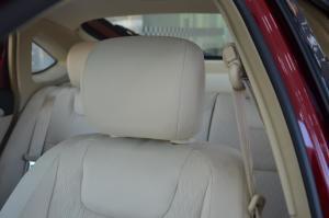 莲花L5两厢 驾驶员头枕