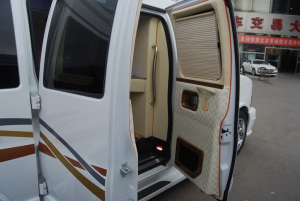 GMC商务之星 驾驶员侧车门内门板