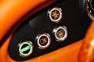 摩根Roadster 中控台空调控制键