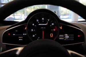 迈凯伦MP4-12C仪表盘背光显示图片