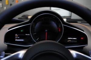 迈凯伦12C仪表盘图片