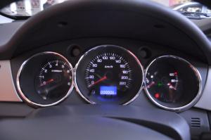 风神S30仪表盘背光显示图片
