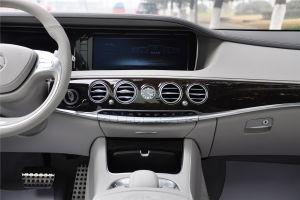 AMG S级中控台正面图片