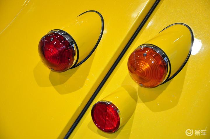 摩根Roadster尾灯(522473);
