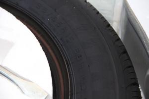 野马F12                备胎规格